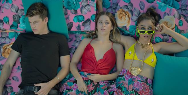O primeiro episódio será focado nos personagens Guzmán, Cayetana e Rebeca (Reprodução / YouTube)