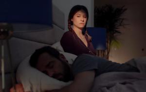 "Ilana Glazer e Justin Theroux enfrentam gravidez sinistra no trailer de ""False Positive"""