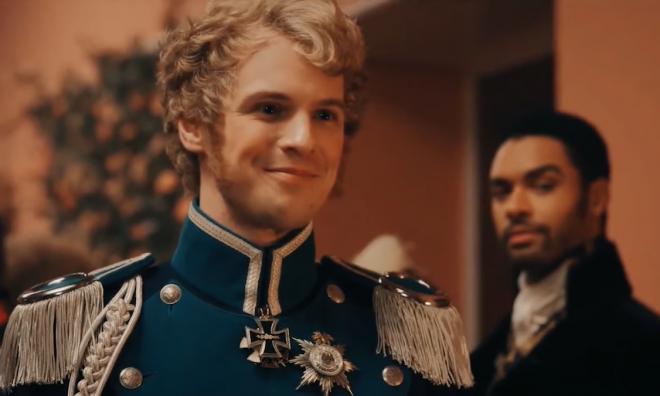 O ator interpretará o personagem Vigilante, também conhecido como Adrian Chase (Reprodução / YouTube)