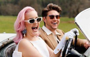 """Anne-Marie lança clipe divertido com Niall Horan e anuncia o álbum """"Therapy"""""""