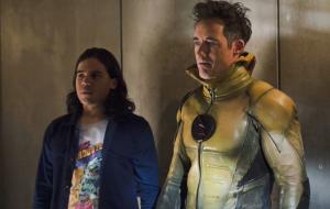 """Carlos Valdes e Tom Cavanagh deixarão elenco de """"The Flash"""" após 7ª temporada"""