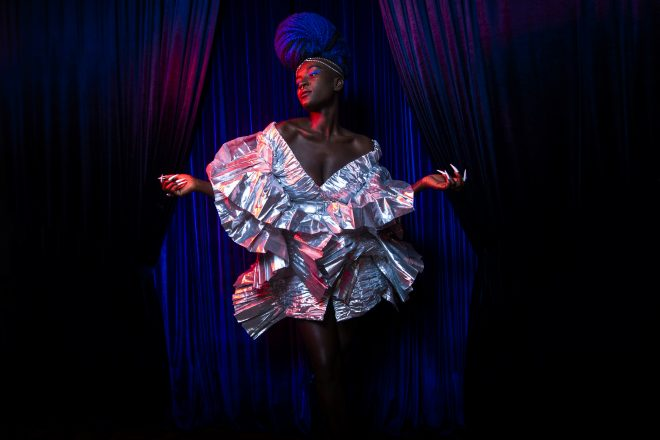 Cantora fará live especial ao lado de Cara Delevingne na próxima semana (Foto: Kenneth Reindhart)