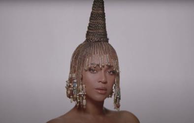 """Após o lançamento de """"Black Is King"""" em 2020, artista prepara novas canções (Reprodução)"""