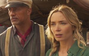 """Dwayne Johnson e Emily Blunt ganham destaque em novos trailers e pôsteres de """"Jungle Cruise"""""""