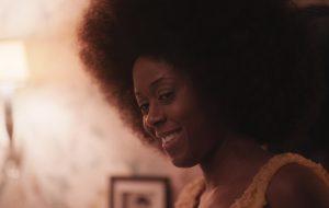 """Moses Ingram, de """"O Gambito da Rainha"""", estará na cinebiografia de Whitney Houston"""