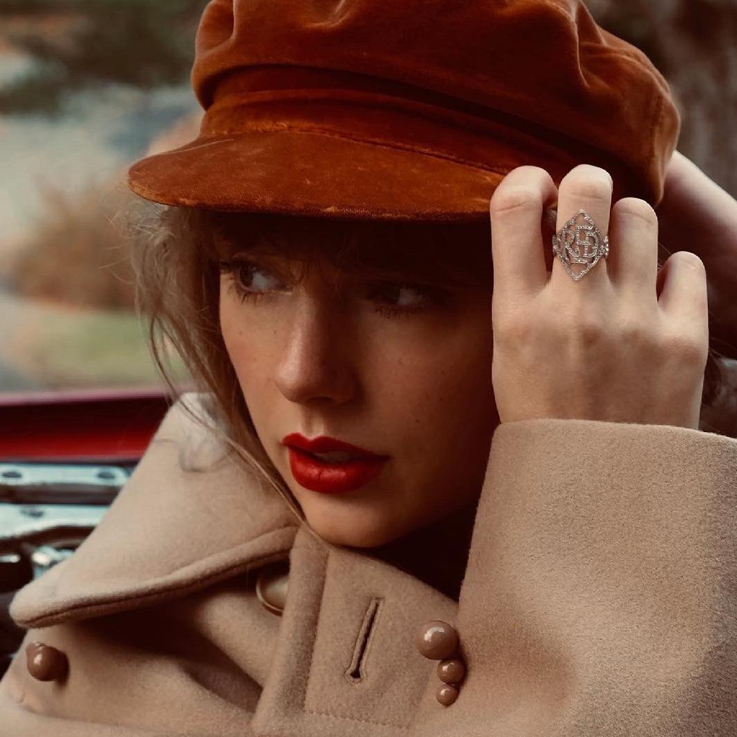 """Taylor anuncia relançamento do """"Red"""""""