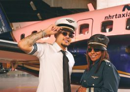 """MC WM e MC Danny comandam festa em avião no clipe de """"Turbulência"""""""
