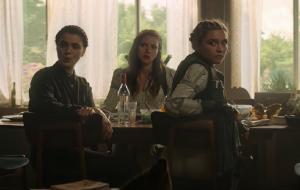 """""""Viúva Negra"""": Natasha Romanoff reencontra família russa em teaser recheado de ação e humor"""