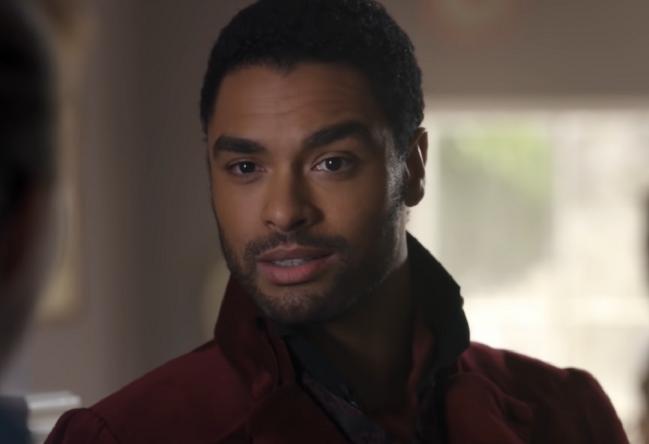 """Ator protagonizou a primeira temporada de """"Bridgerton"""", série da Netflix (Reprodução)"""