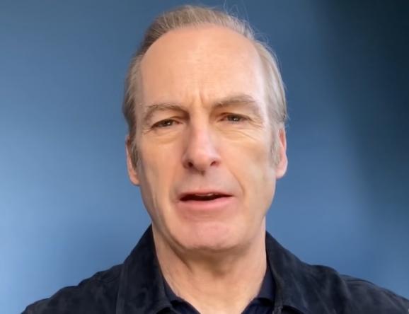 """O ator desmaiou durante as gravações de """"Better Call Saul"""" nesta semana (Reprodução / YouTube)"""