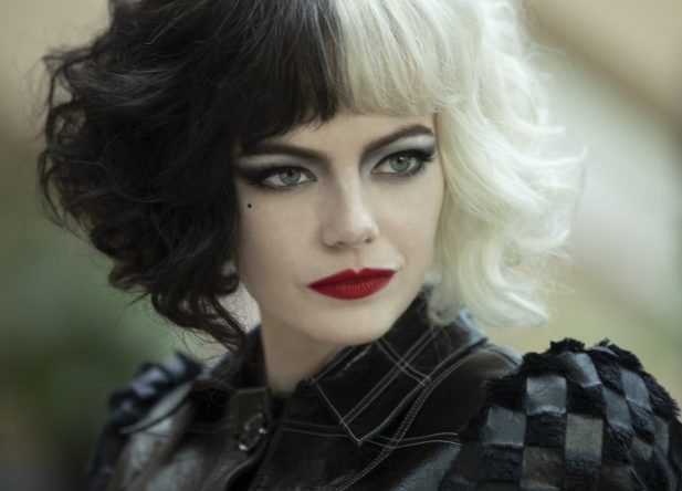 Emma Stone interpreta a protagonista Cruella de Vil (Disney / Divulgação)