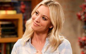 """Kaley Cuoco quer reunião de """"The Big Bang Theory"""" no estilo do especial de """"Friends"""""""