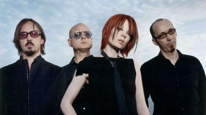 Disco rompeu pela primeira vez com a estética sonora apresentada pela banda nos anos 1990 (Foto: Divulgação)