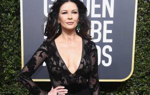 """""""Wednesday"""": Catherine Zeta-Jones será Mortícia Addams em série da Netflix"""