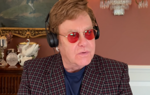 Elton John prepara novidade para quarta-feira (1º)