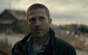 """""""Missa da Meia-Noite"""", série de terror da Netflix, ganha trailer arrepiante e data de estreia"""