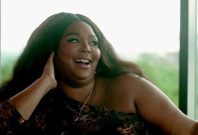 A cantora assumiria o papel de Whitney Houston (Foto: Reprodução)