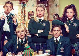"""Derry Girls"" terminará na terceira temporada, confirma roteirista"