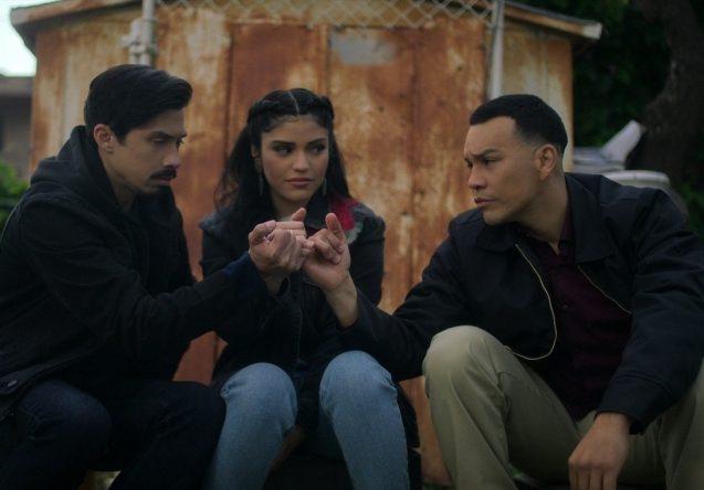 Carlos Santos, Karrie Martin e JJ Soria estão no elenco da série (Netflix / Divulgação)