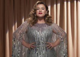 "Kelly Clarkson lança ""Christmas Isn't Canceled (Just You)"" e anuncia o álbum ""When Christmas Comes Around…"""