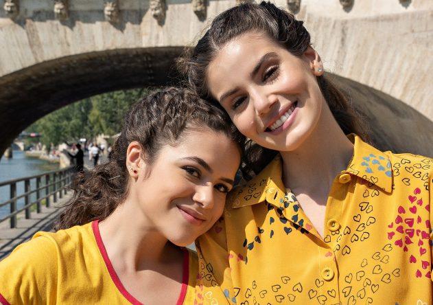 Maisa e Camila Queiroz estrelam a produção (Foto: Sarah Makharine / Netflix)