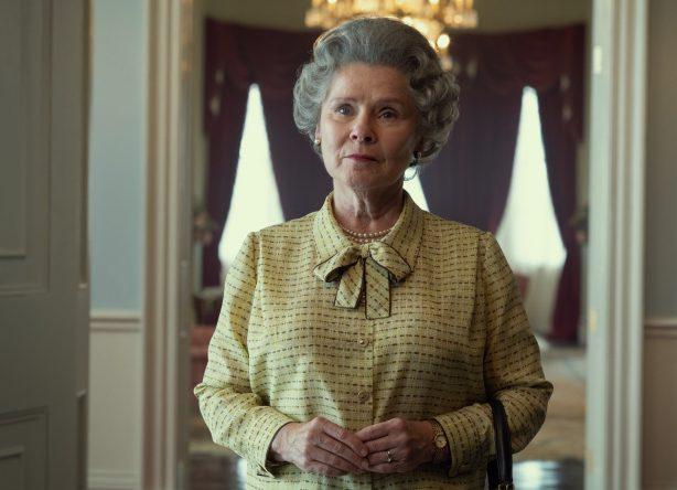 Imelda Staunton é a nova intérprete da Rainha Elizabeth II (Netflix / Divulgação)