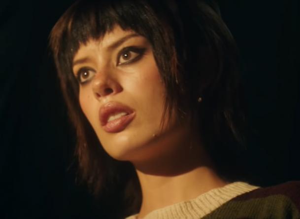 """O novo single chega após """"Like"""" (Reprodução / YouTube)"""