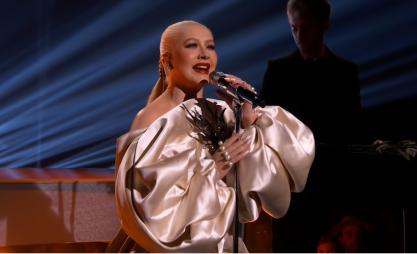 Christina Aguilera libera teaser da nova era