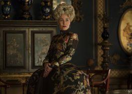 """Gillian Anderson vive Joanna em imagens da segunda temporada de """"The Great"""""""