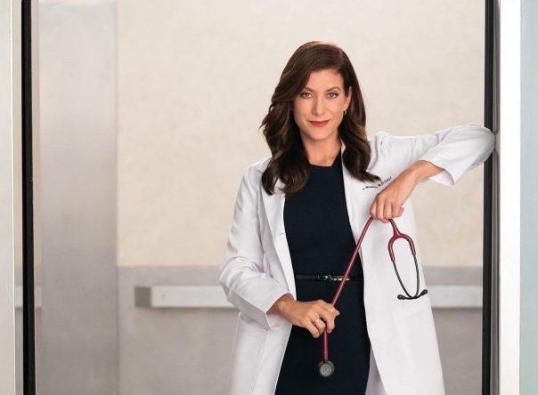 A atriz volta a interpretar Addison Montgomery na 18ª temporada da série (ABC / Divulgação)
