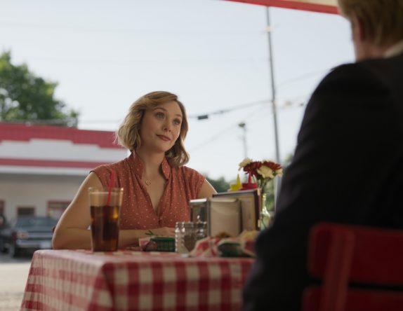 A atriz interpreta Candy Montgomery na trama criminal (HBO Max / Divulgação)