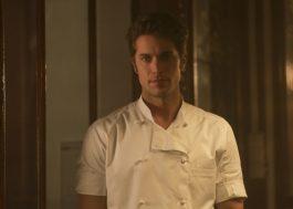 """Lucas Bravo, de """"Emily em Paris"""", entra para elenco de """"Ticket to Paradise"""""""